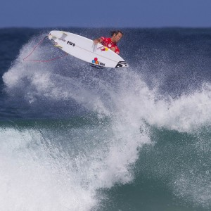 Jordy Smith takes flight in Rio de Janeiro, Brazil. PHOTO: WSL / Smorigo