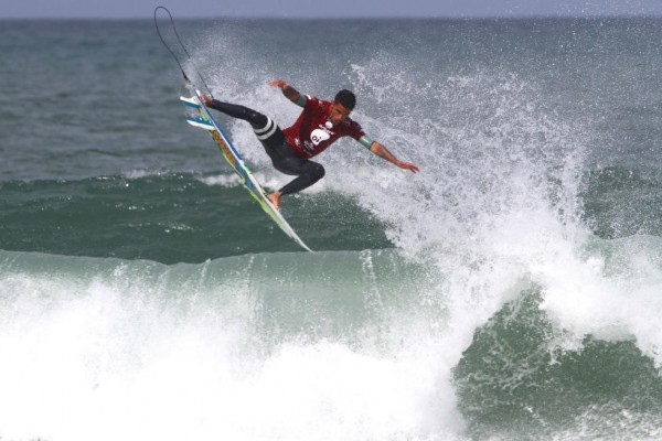 Brazilian Filipe Toledo scored a perfect 10 with this aerial, en route to winning the Oi Rio Pro. PHOTO: WSL