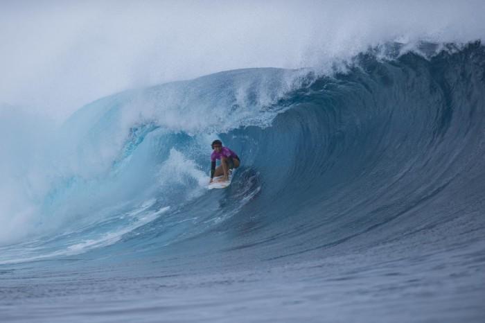 Sally Fitz takes it to Cloudbreak en route to winning her second straight Fiji Women's Pro. PHOTO: WSL/Kirstin