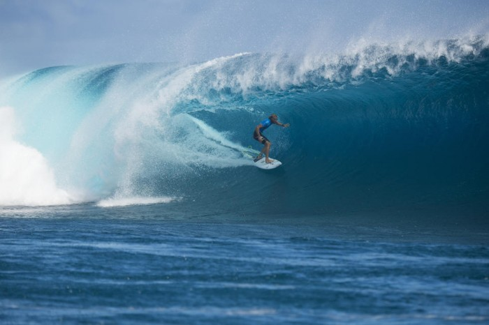 Owen Wright (AUS) riding the first of his two(!) ten point waves at Cloudbreak during the Fiji Pro. PHOTO: WSL/Kirstin
